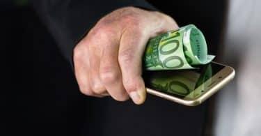 Qu'est-ce qui explique le succès des néo-banques ?